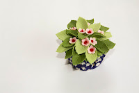 Flowering bush cupcake