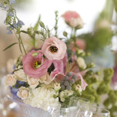life is delicious weddings blumen zauberhaft kombiniert. Black Bedroom Furniture Sets. Home Design Ideas