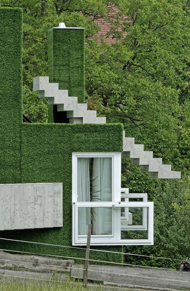 في النمسا واحد من أغرب المنازل التي شيدت وتم تغطيتها بالعشب الأخضر Grass-Covered-House-in-Frohnleiten-by-ORTIS-GmbH-9