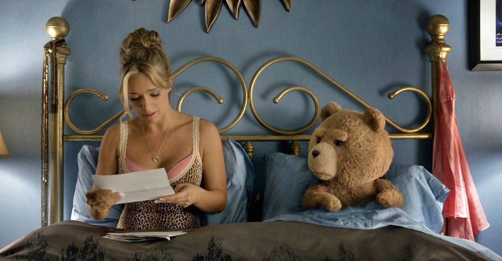 Assista ao hilário segundo trailer de TED 2, com Mark Wahlberg e Amanda Seyfried