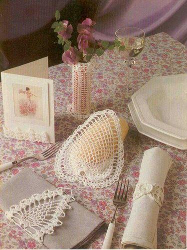 le crochet des8jika d coration de table au crochet. Black Bedroom Furniture Sets. Home Design Ideas