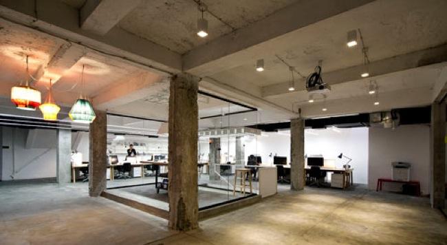 Marzua espacio multifuncional de coworking de nova iskra for Oficina coworking