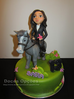 A Sara foi a cavalo ao seu 13º aniversário