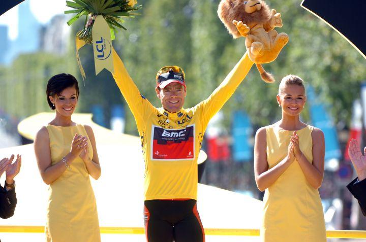 [Immagine: cadel_evans_yellow_jersey_podium_paris_2_2.jpg]
