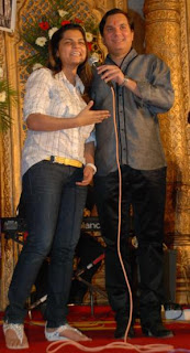 Lalit Pandit and Mamta Sharma performing at Hum Log Awards