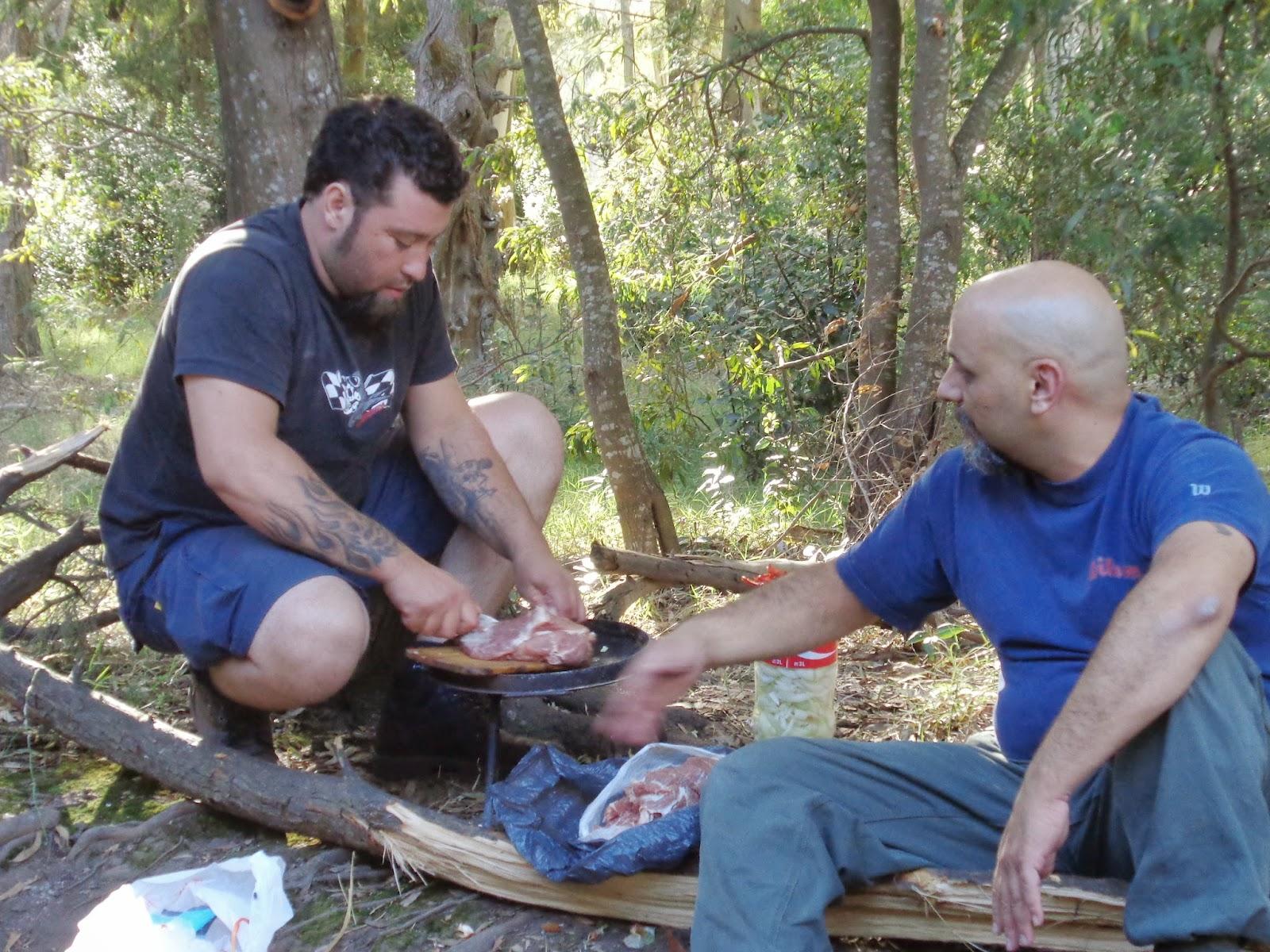 Mis amigos y yo padeciendo el hambre en el monte DSC03326