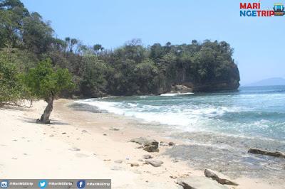 Pantai Godek TulungAgung Wisata Indonesia