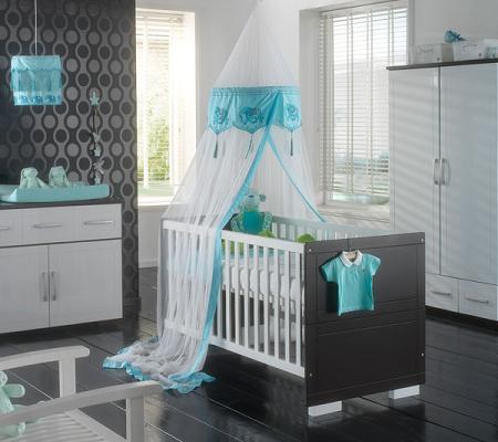 Dormitorio para bebes en blanco cama cuna blanco for Cuartos de ninas lujosos