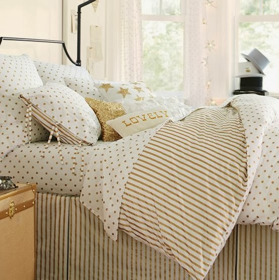 A Touch Of Southern Grace Gold Amp White Bedding