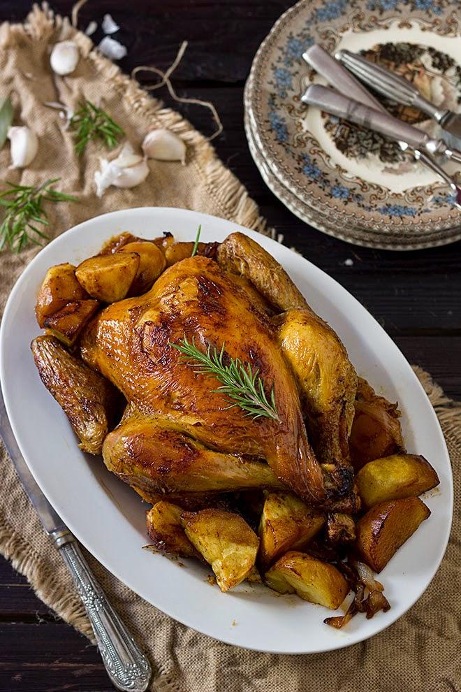 Pollo asado con romero, tomillo y limón