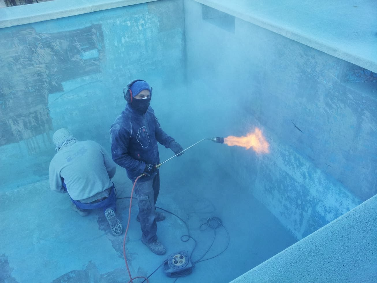 Construcci n reparacion y mantenimientos de piscinas - Pintura de piscina ...