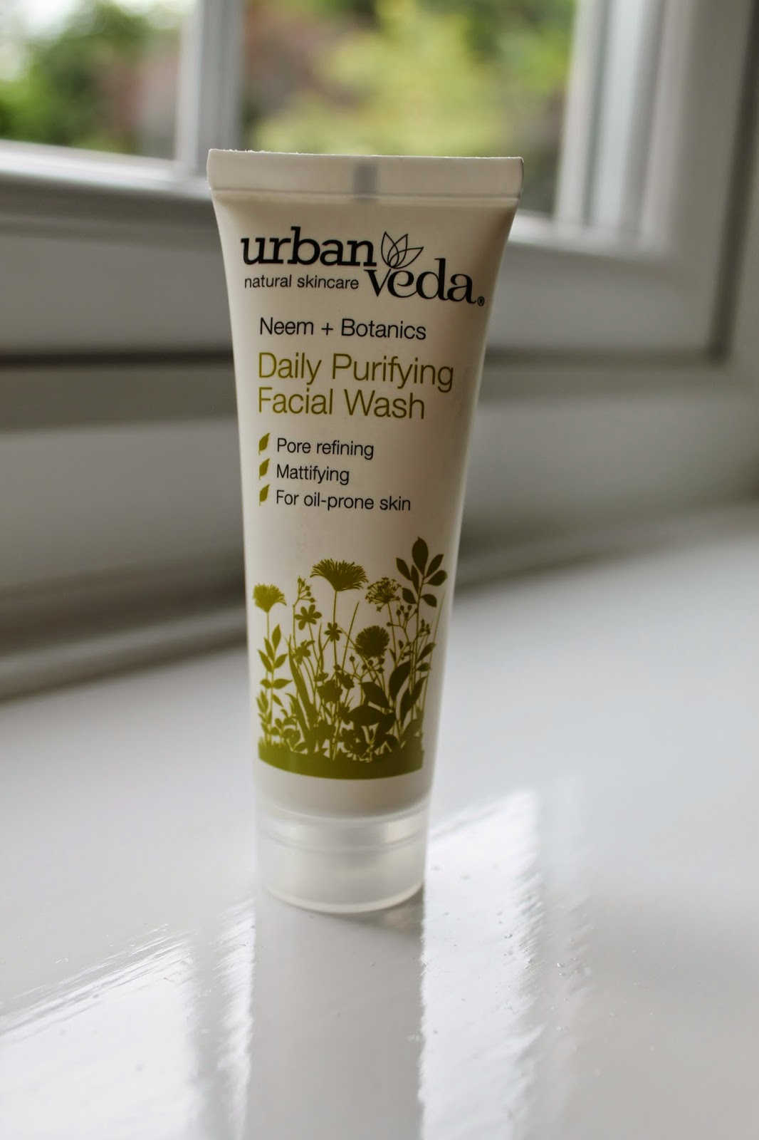 Love Me Beauty Box June 2014 Urban Veda Purifying Daily Facial Wash