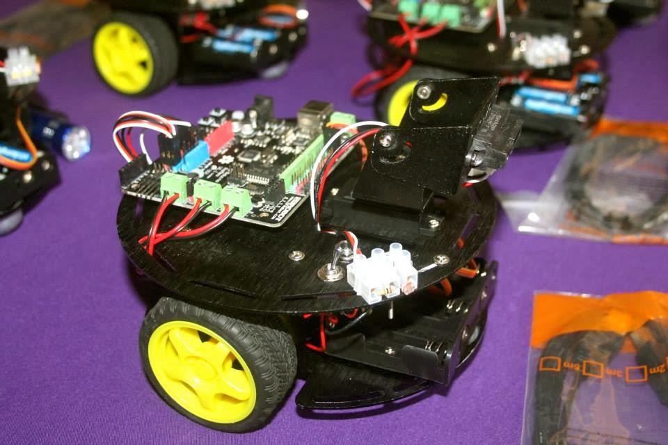 Braitenbot 1 Getting Around Battle Bot