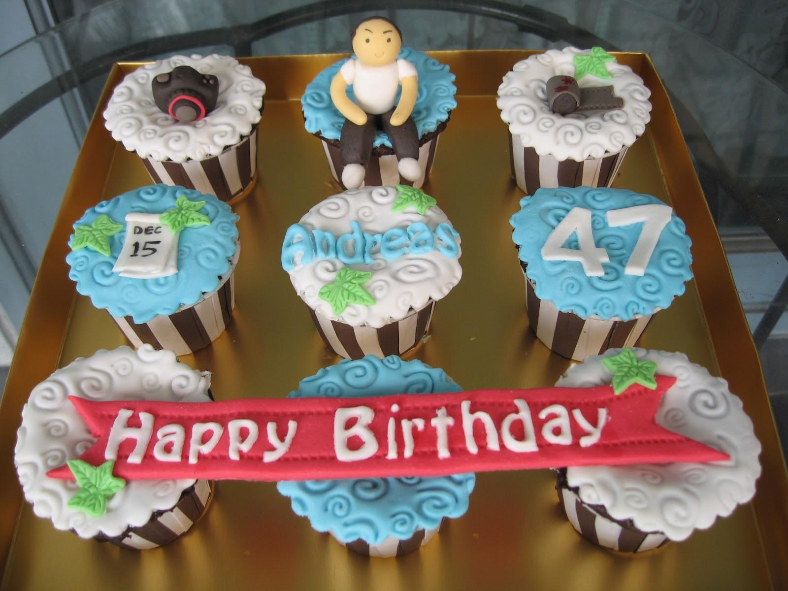 Cake Story: Happy birthday cupcake for men :)