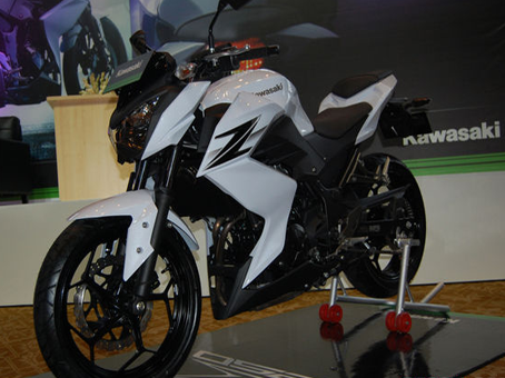 Gallery Kawasaki Z250