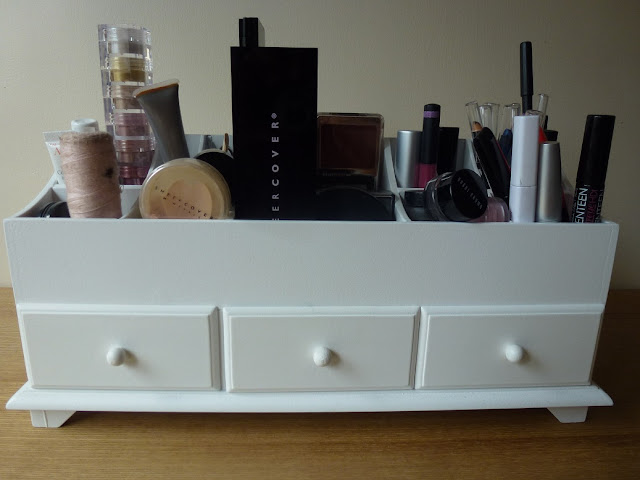 White wooden cosmetic organiser