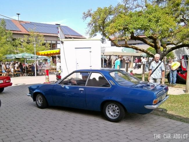 blue classic Opel