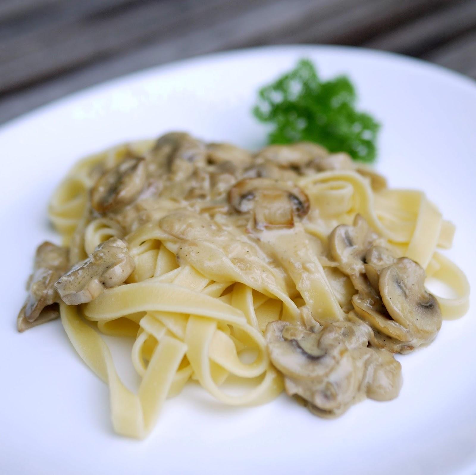experimente aus meiner k che pasta mit champignon rahm so e. Black Bedroom Furniture Sets. Home Design Ideas