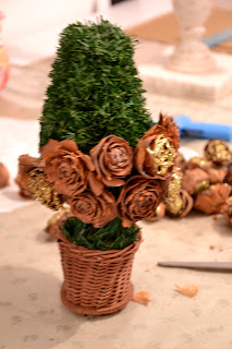 pine cones tree http://shabbychiclife-silvia.blogspot.it