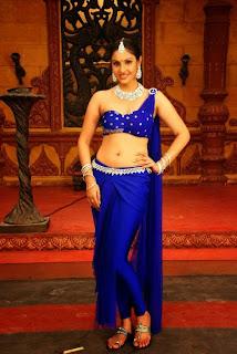 Actress Divya Parameshwaran Show Pictures 5.jpg