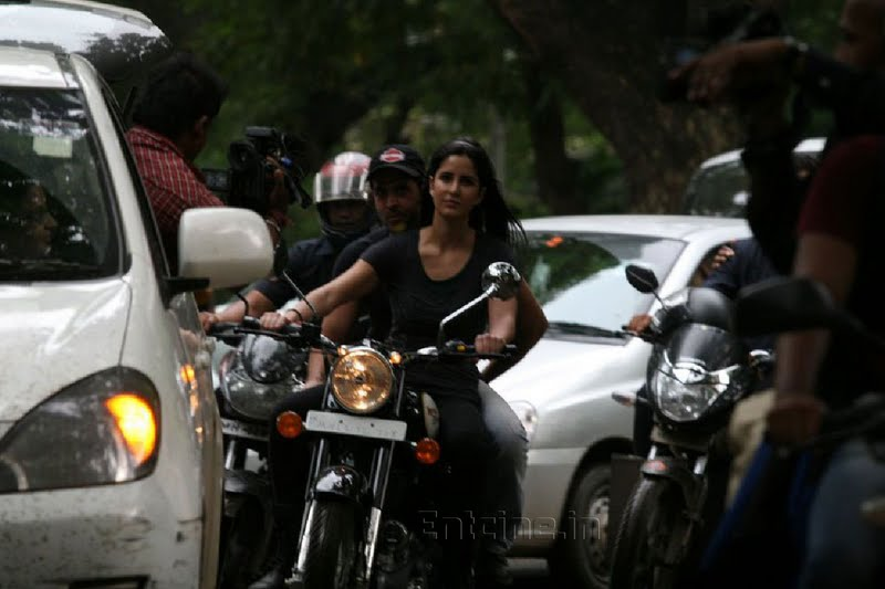 katrina kaif takes rides - photo #25