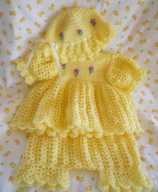 tek mille islenmis sari yazlik bebek elbiseleri Tığ İle İşlenen Kız Bebek Elbise Modelleri