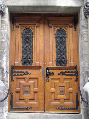These heavy wooden doors on the c&us of McGill University have persevered through Montreal snowstorms and summer humidity for over a century ... & OECODOMIC / a photo blog about architectural details and urban ...