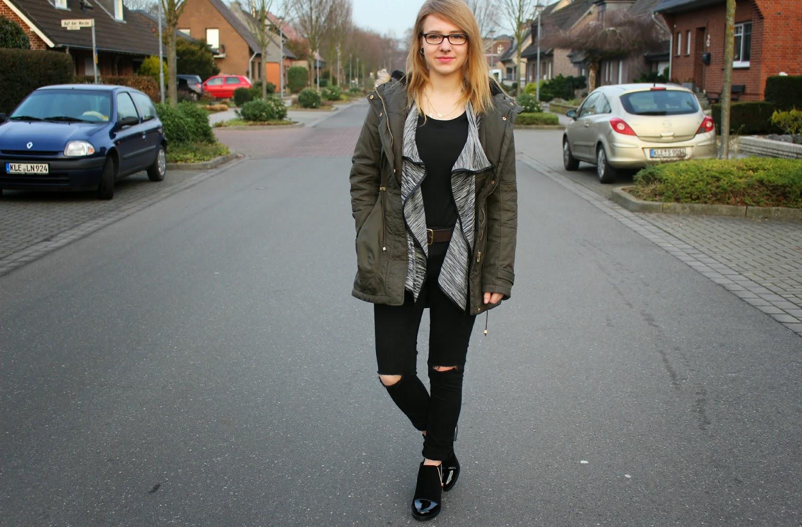 -Black- chelsea boots