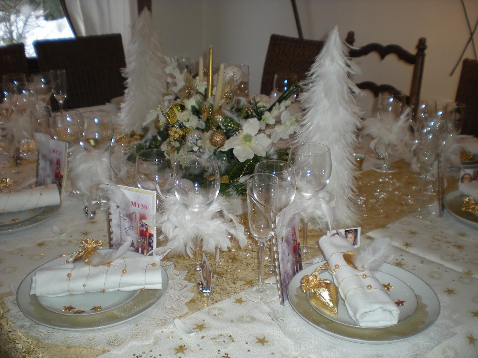 #5F4D39 Déco De Noël En Or Et Blanc . Déco De Table à Thèmes 6059 decoration de noel table blanc 1600x1200 px @ aertt.com