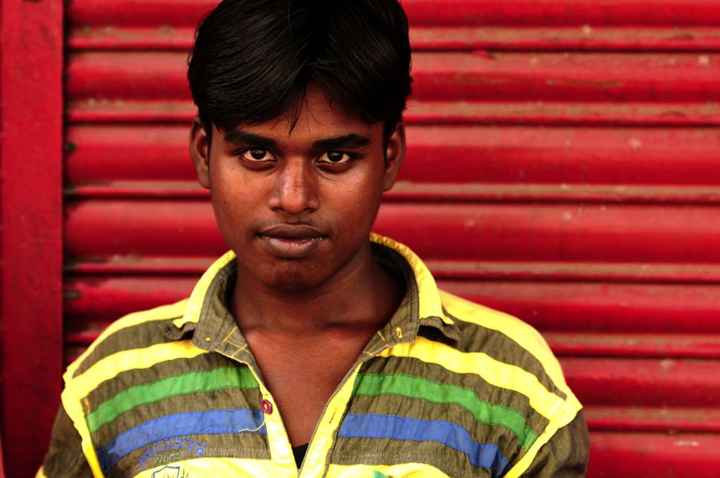 This is an India photo of a young man in Worli in Mumbai