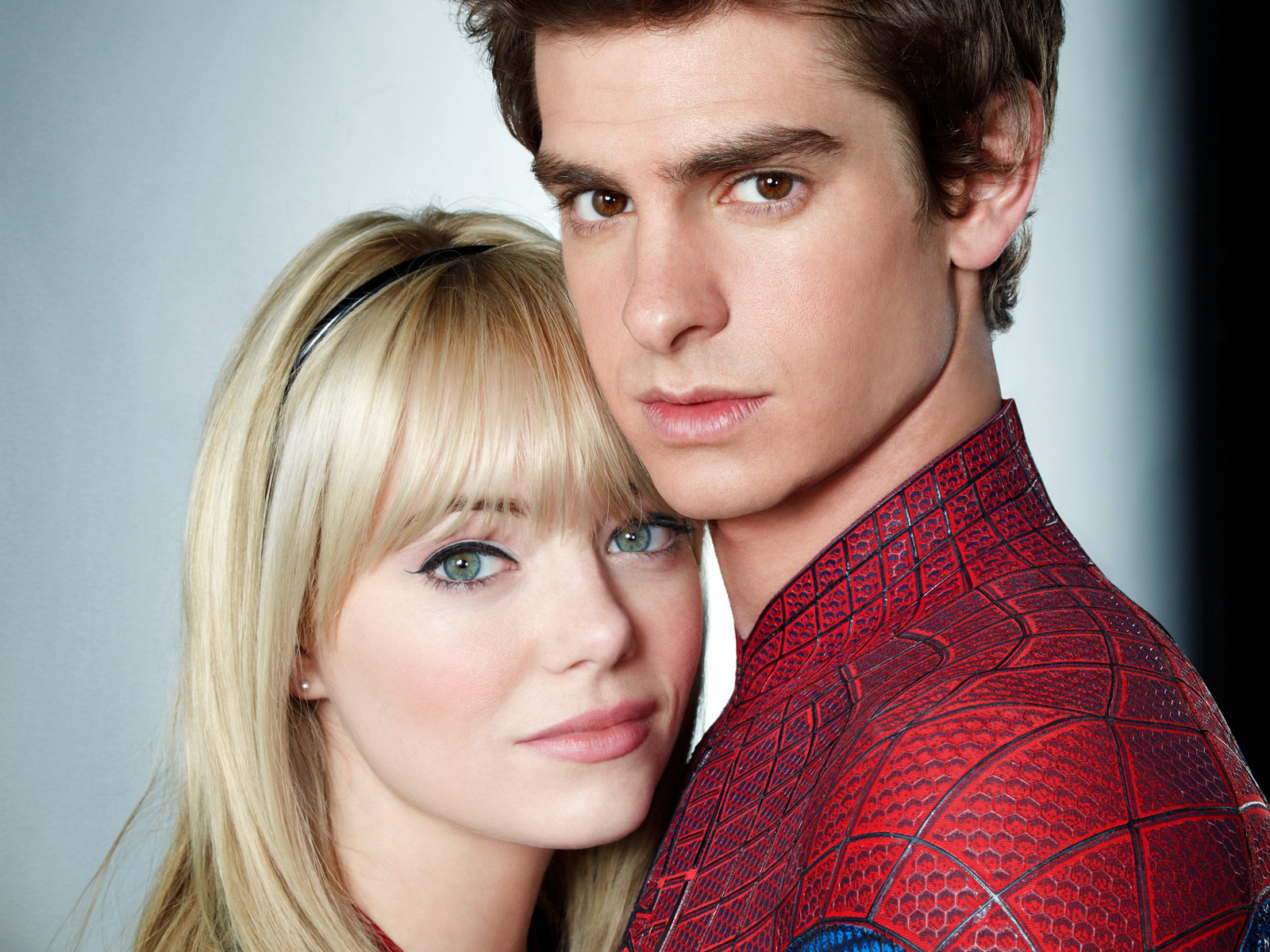 http://1.bp.blogspot.com/-_hdx8sSVRG8/Ttm-nYEURBI/AAAAAAAAAnU/XwN5DAiZb0k/s1600/Andrew_Garfield__Emma_Stone_-The_Amazing_Spider-Man_2012_press_stills_.jpg