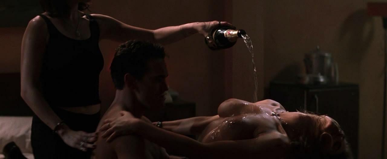 smotret-eroticheskie-hentay-filmi