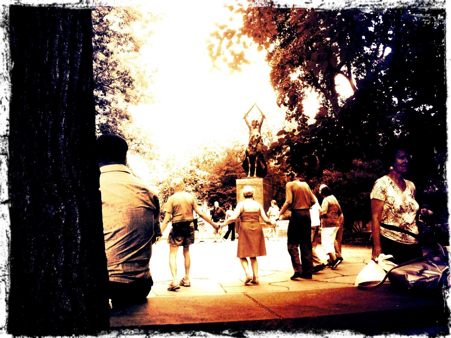 Central Park sirtaki dancers