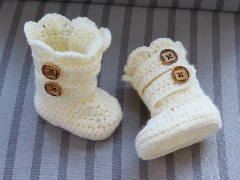 Crochet Baby Girl Boots Pattern : Crochet Dreamz: Classic Snow Boots Crochet Pattern for ...