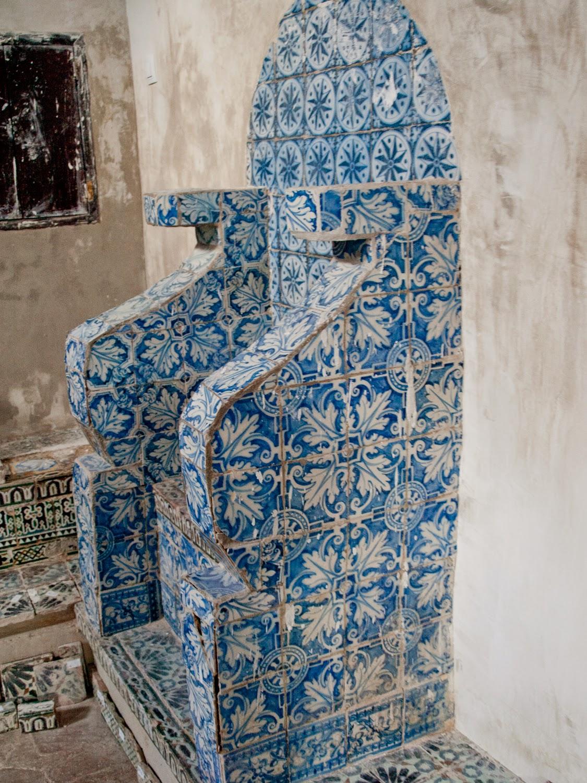 Sillones ceramicos del Monasterio de San Clemente en Toledo