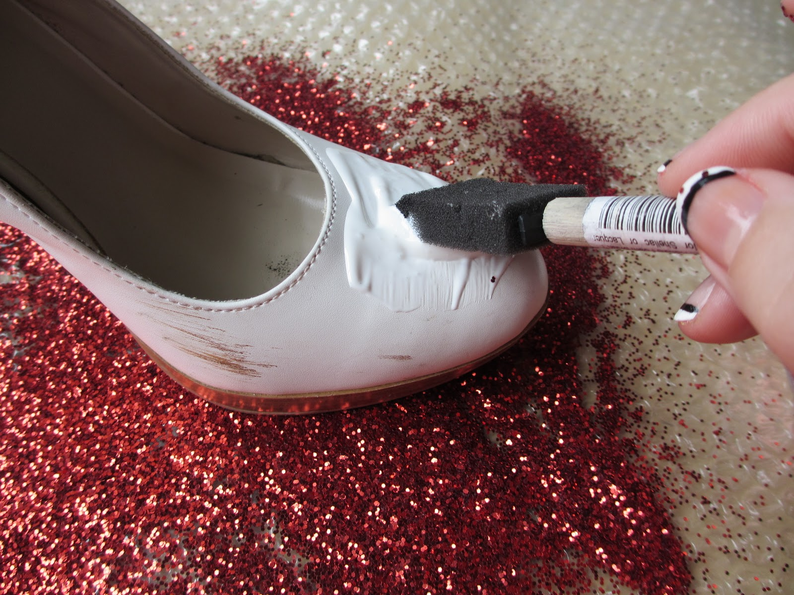 Чистить туфли начальницы 2 фотография