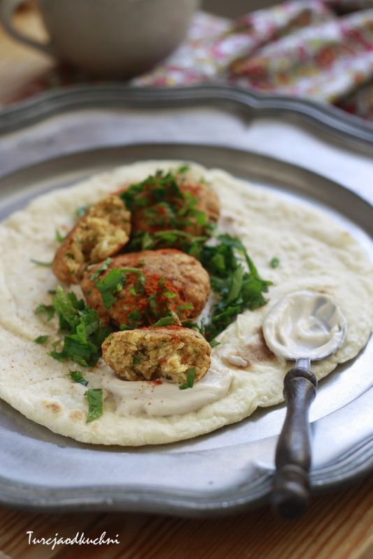 Nohut köftesi czyli arabski falafel