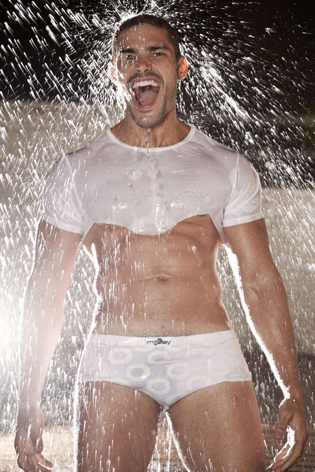 Hot Guys Nude: Wet In White