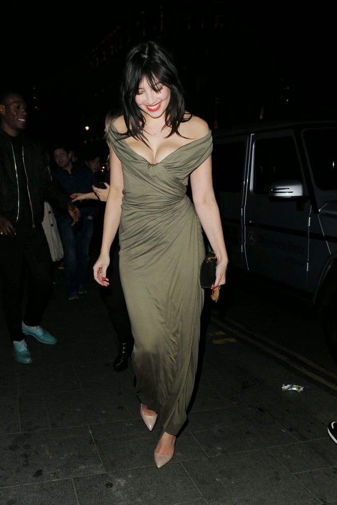 Nice view! Daisy Lowe always dresses to impress, and her latest look at London, England on Friday, February 20, 2015, was no exception. . . . . . . . . . . .Nothing serious danger to falling!!!