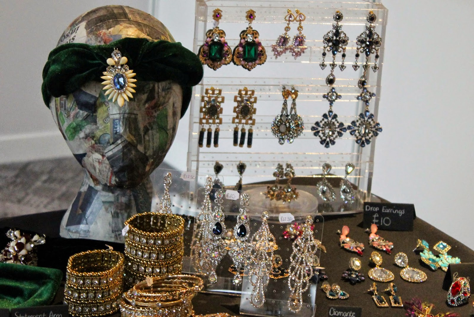 velvet turban and jewellery stand at celebration of style 2014