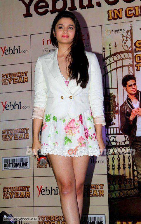 Aliya+Bhatt+-+BollywoodGo+(7)