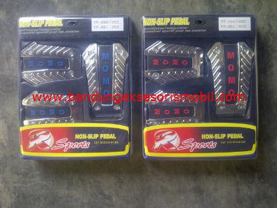 Pedal Gas Momo Yf-050 Merah/Biru