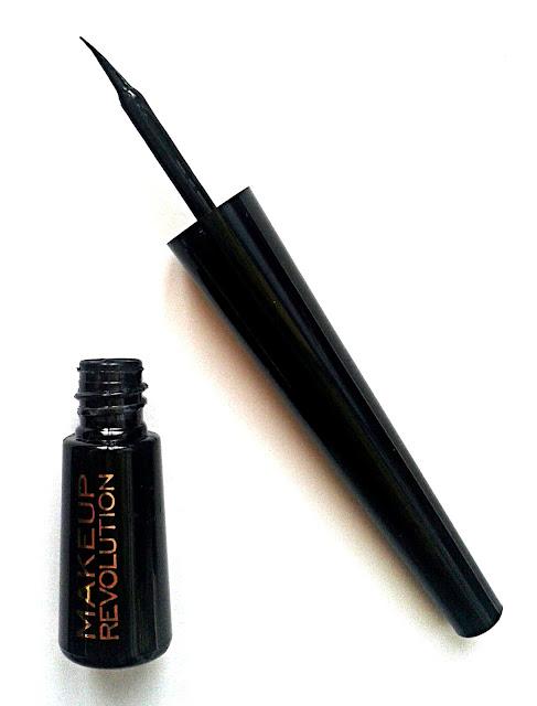 Makeup Revolution Amazing Eyeliner (Waterproof)