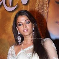 Aishwarya rai hot photos in saree