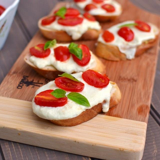 Tomato & Mozzarella Crostini
