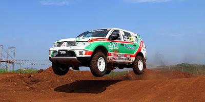pertama kali diluncurkan pada bulan Juni  PERFORMA MESIN PAJERO SPORT, SUV PENGUASA RALLY DAKAR