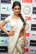 Shriya Saran latest pics at Gr8 Women Awards-thumbnail-2