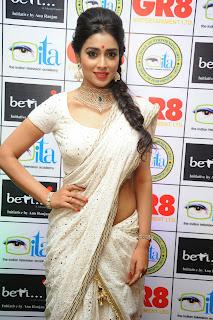 Shriya saran glamorous Pictures 014.jpg