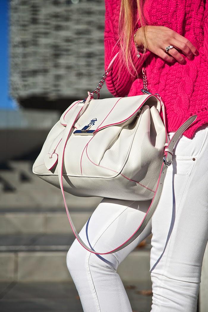 borsa bianca profili rosa
