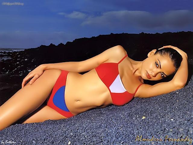 Almudena Fernandez in bikini